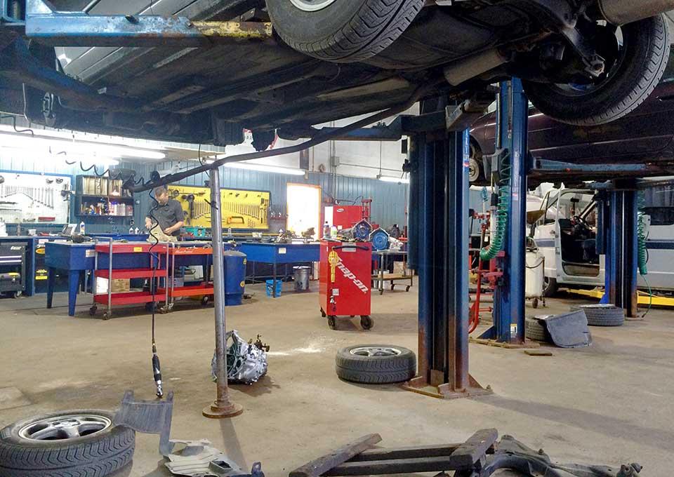 Intérieur Garage Beaulieu Mécanique Tranmission